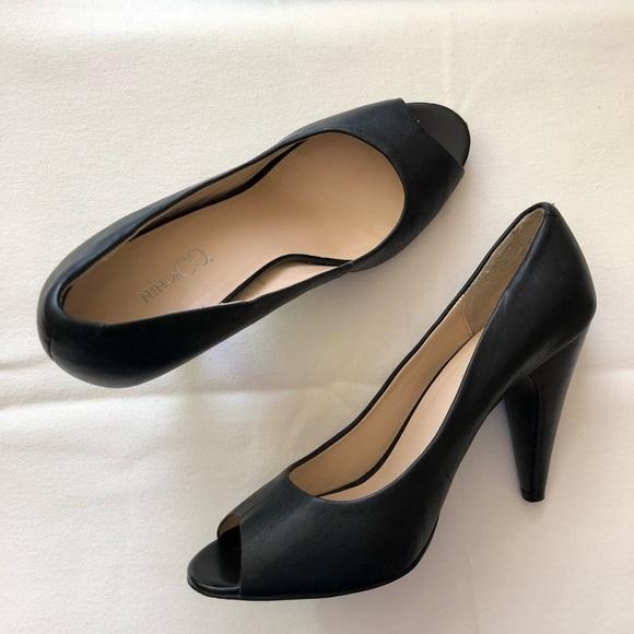 85d282913a97 jcpenney Shoes - JCPenney Leather Peep-toe Pumps SZ 9